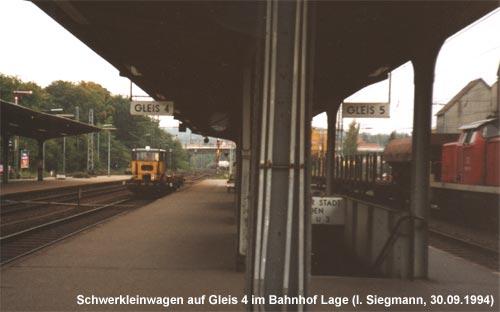 Skl fährt zum nächsten Einsatz durch den Bahnhof Lage