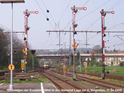 Eurobahn fährt aus Oerlinghausen kommend in den Bahnhof Lage ein