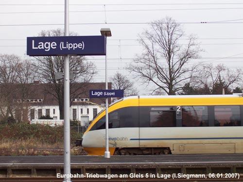 Eurobahn-Triebwagen auf der Fahrt von Lemgo nach Bielefeld im Bahnhof Lage