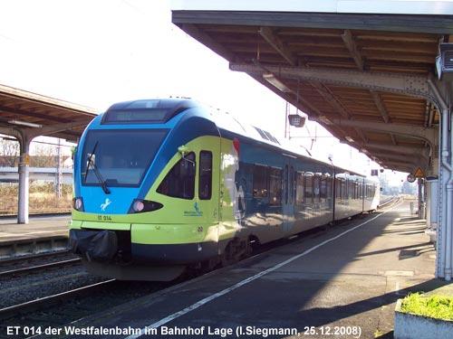 Triebwagen der Westfalenbahn am 25.12.2008 im Bahnhof Lage