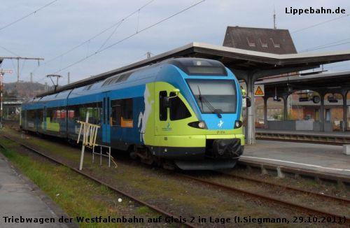 Triebwagen der Westfalenbahn auf Gleis 2 im Bahnhof Lage