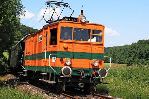 E-Lok der Landeseisenbahn Lippe e.V. auf der inzwischen unter Denkmalschutz stehenden Extertalbahn